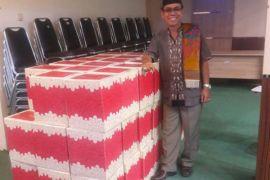 Kopertis XI bagikan 62 paket untuk karyawannya