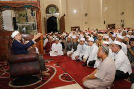 Shalat Subuh Berjamaah Bersama Guru Bajang