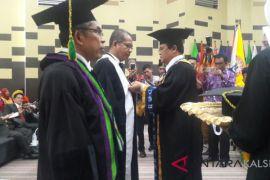 Semakin maju, ULM kembali tambah dua Guru Besar