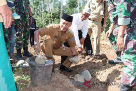 Dahnial Kifli letakkan batu pertama pembangunan Musholla Ar-Raudhah Loksado