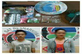 Polisi tangkap suami istri produksi ekstasi palsu