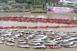 Police's Jukung parade sets MURI record