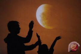 Gerhana bulan 28 Juli terlama kedua abad ini