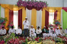 Dahnial Kifli hadiri haul akbar Syekh Semman Al Madani