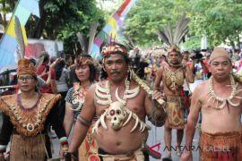 Ribuan peserta ikuti karnaval pesona budaya Borneo