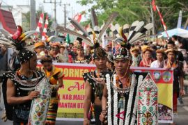 Thousands participate in Borneo Culture Festival carnival