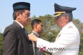 Tiga pejabat Pemkab HST terima tanda kehormatan dari Presiden