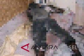 Warga temukan jasad membusuk di sebuah rumah Jalan Cempaka