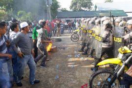 Polres Banjar simulasi tangani rusuh massa Pemilu