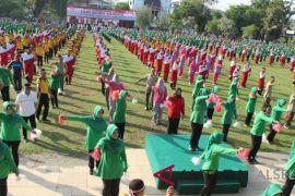 3250 peserta Se-Banua Anam ikuti tari Gemu Famire