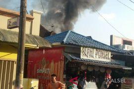 Kebakaran Gang Pantai Harapan Kandangan hanguskan empat buah rumah