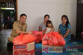 Wabup HSS serahkan bantuan untuk pengungsi gempa dan tsunami
