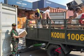 16 containers of aid from Korem 101 Antasari to Palu