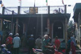Kantor Panwaslu di HST terbakar