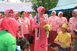 Ketua Bhayangkari Ajak Anggota Bekerja Ikhlas