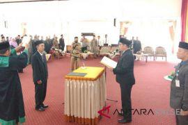 Video - Rasul diambil sumpah PAW Anggota DPRD HSS
