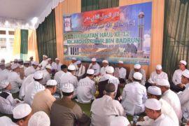 Ribuan jamaah hadiri haul KH Abdussyukur