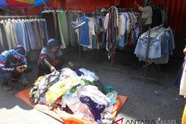 Pasar Tungging jual pakaian bermerek harga murah