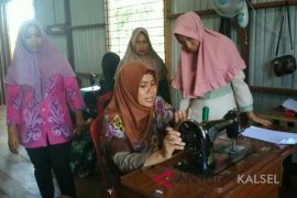 Best-selling business training for villagers