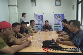 Ketua PWI Kalsel silaturahmi ke Pressroom HST