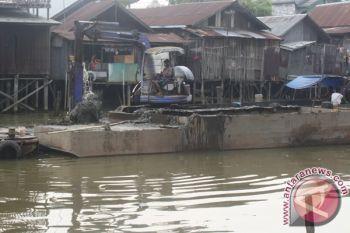 Gubernur ajak masyarakat gotong-royong keruk sungai