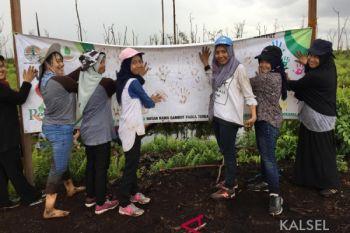 Mahasiswa FMIPA Biologi ULM Rehabilitasi Lahan Gambut Tumbang Nusa
