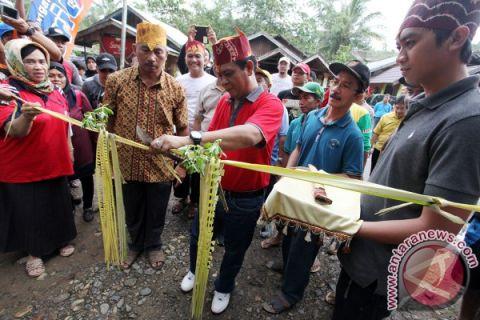 Gubernur Kalsel Ajak Masyarakat Kunjungi Wisata Daerah