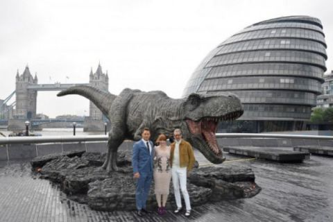 Benarkah dinosaurus kebal peluru?