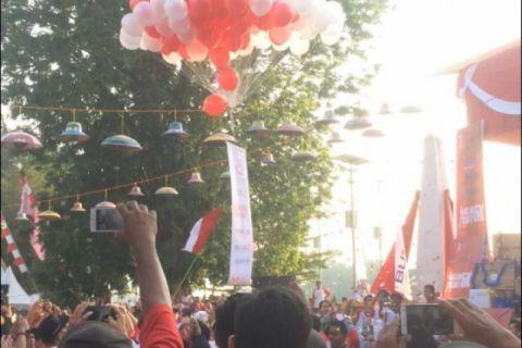 BUMN Hadir - Wali Kota apresiasi program jalan sehat BUMN