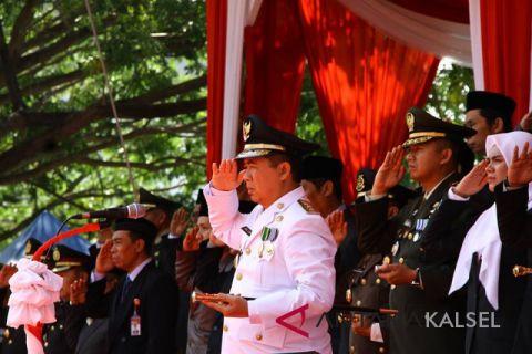 Ibnu Sina Bertindak sebagai inspektur upacara peringatan HUT RI