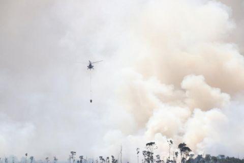 Empat helikopter padamkan lima hektare lahan terbakar di Jejangkit