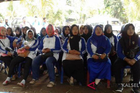 Pembantu Penyuluh KB Desa Jambore di Nateh