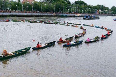 40 ambassadors enjoy uniqueness of Banjarmasin