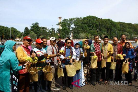Banjarmasin keeps banning plastic bags