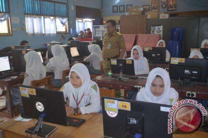 Musyawarah kerja kepala sekolah  evaluasi pelaksanaan UNBK