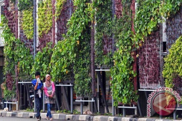 Pemkab Kotabaru Ciptakan Suasana Nyaman Taman Kota