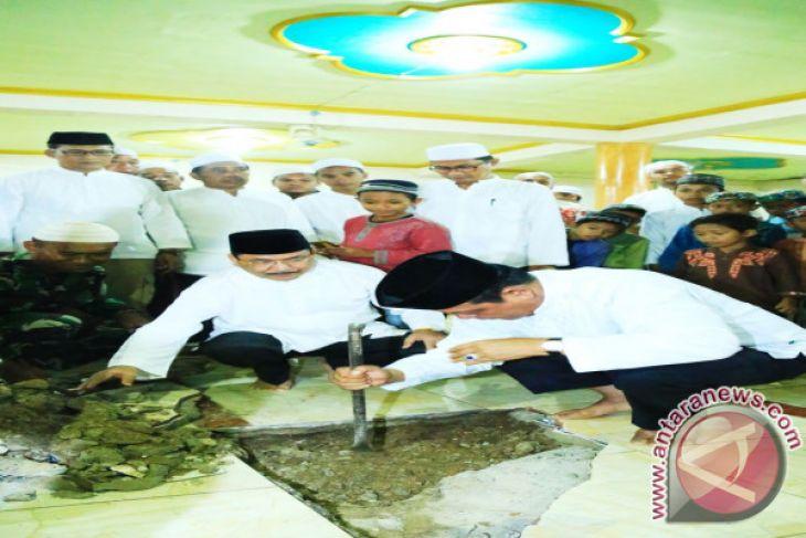 Gubernur Hadiri Maulid di Danau Panggang