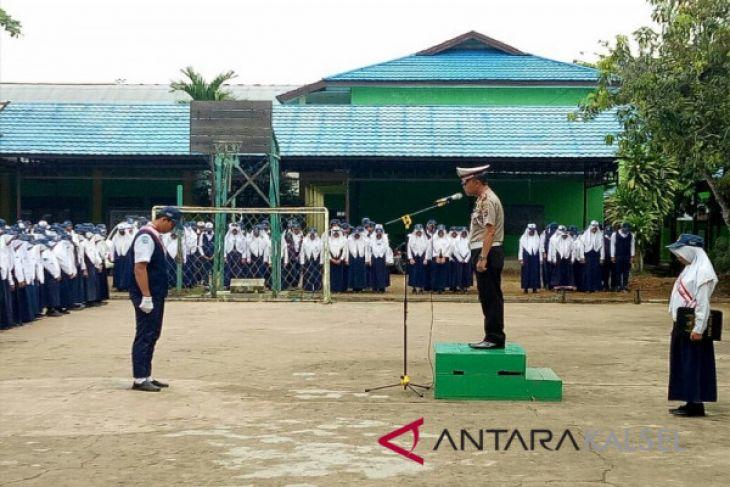 Polisi Larang Pelajar Berkendara Ke Sekolah
