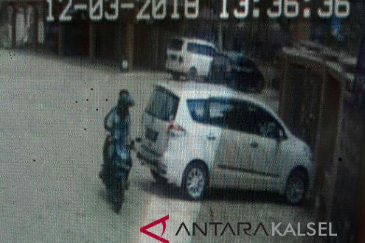 Aksi Pencurian Uang MTsN 3 HSS Terekam CCTV