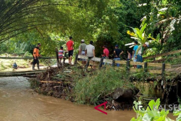 DPRD Kalsel cek kondisi sungai banua anam