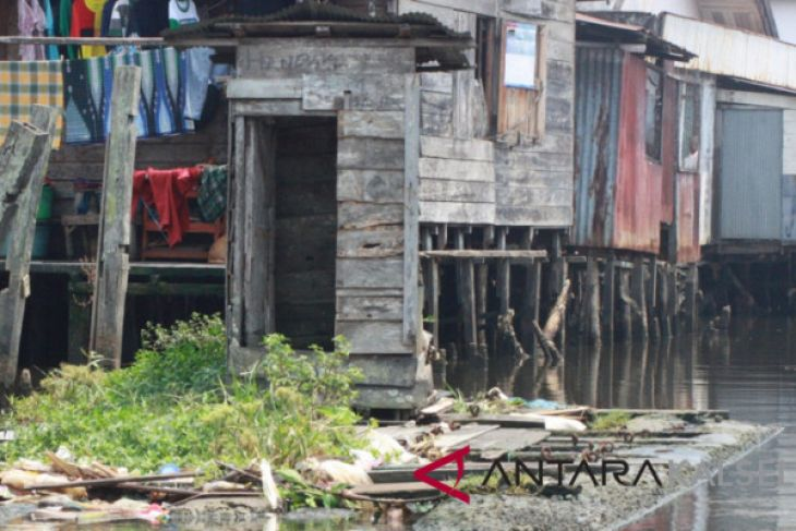 Warga Pinggiran Sungai Banjarmasin Minta Toilet Apung