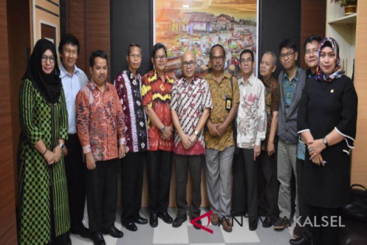 Rektor ULM berharap tindak lanjut kunjungan KBRI Den Haag