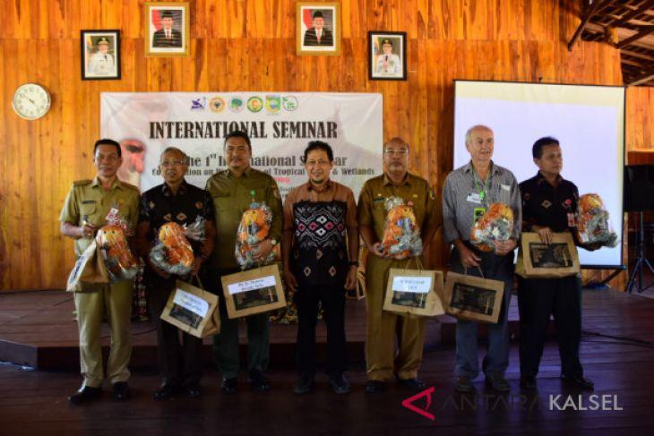 ULM gelar seminar internasional bahas kekayaan hayati hutan tropis dan lahan basah