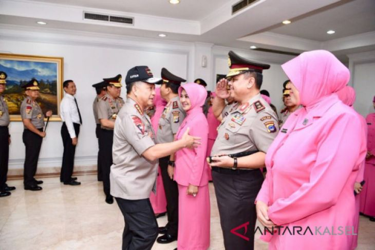 Rachmat Mulyana resmi menyandang pangkat Irjen dan Nasri Brigjen