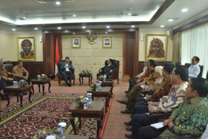 Jelang Konferensi CIDY-2018, Rektor ULM ingatkan Indonesia bukan hanya Pulau Jawa