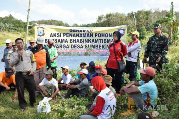 Desa Sumber Mulya tanam 15.000 pohon