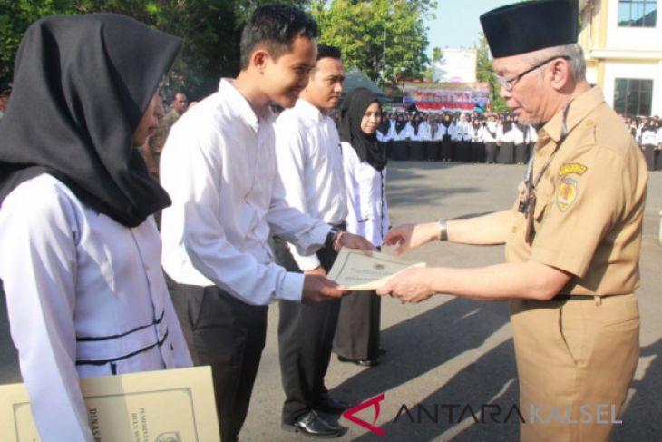 Sebanyak 438 Guru Kontrak Terima SK Bupati HST