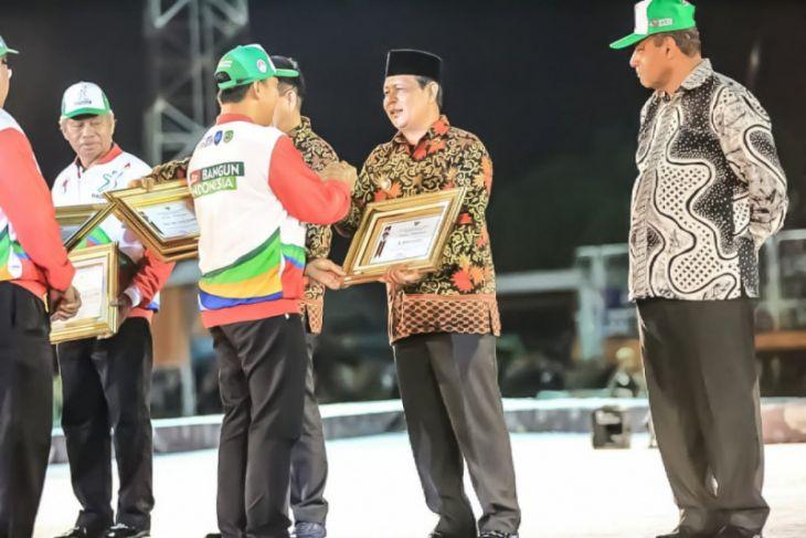 Gubernur Kalsel terima penghargaan pembina olahraga berprestasi