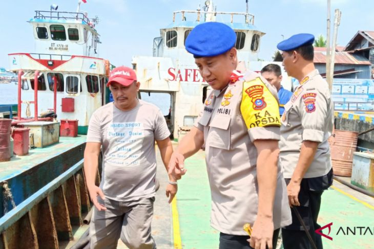 Two illegal fuel ships captured in Batulicin Laut Strait