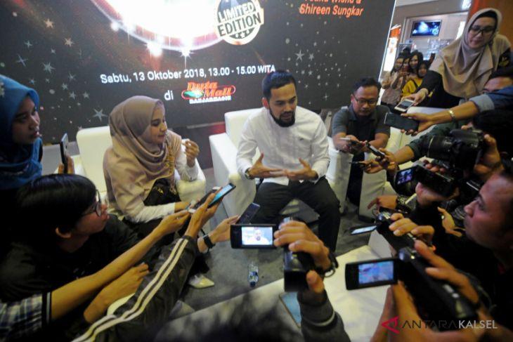 Teuku Wisnu dan Shireen Sungkar hadir di Grand Opening Jannah Travel Banjarmasin